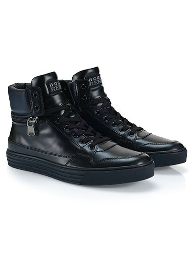 #HOGANREBEL R206 High-top #sneaker in leather with visible stitching, back zipper and removable padding at the ankle. For an #urban look view the collection here hoganrebel.com/men