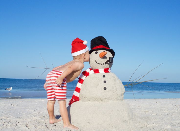 Toddler Christmas picture idea. Sand snowman!!