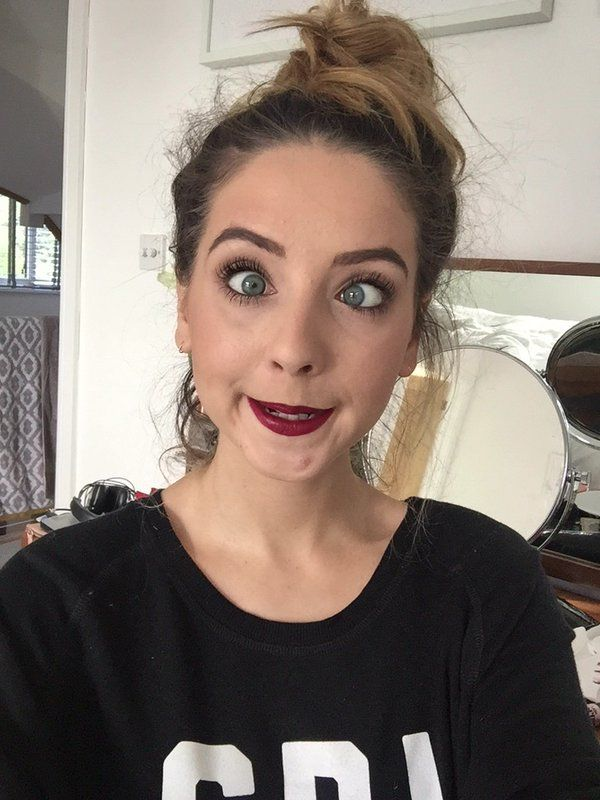 zoella what is she do she is so funny she always make me happy and laugh