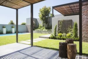 Understand (and improve) your house exterior with these 10 feng shui tips - from how to choose best house exterior color to attracting strong energy to your home.