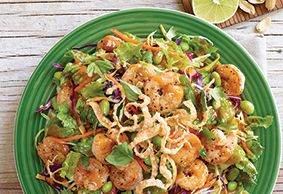 Applebee's Fresh Salads this Thai shrimp salad is SO good I had to pin it!