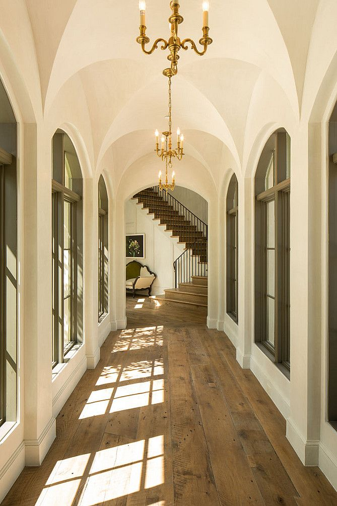 Groin ceilings down the hallway without the arches separating them.