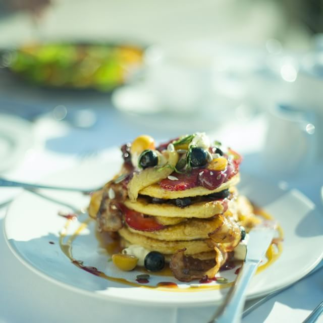 Seasonal berries, mascarpone cheese and maple syrup make this French Toast tower one of our most indulgent breakfast options!   Have you tried it?   _______________  #TheLastWord #Luxury #BoutiqueHotel #CapeTown #Summer #MantisCollection
