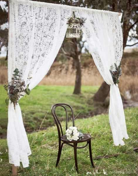 Det är inte så komplicerat att sy gardiner, spetstyg är billigt och enkelt