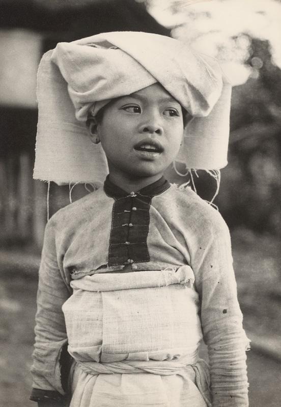 Ján Cifra - Vietnam - portréty. Dievčatko z menšinovej národnosti