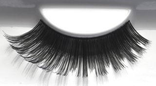 Get a set of favUlash's BORACAY human hair false eyelashes and unleash your wild side for a night out on the town with your girlfriends!