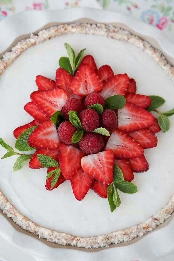 Strawberry and raspberry tart