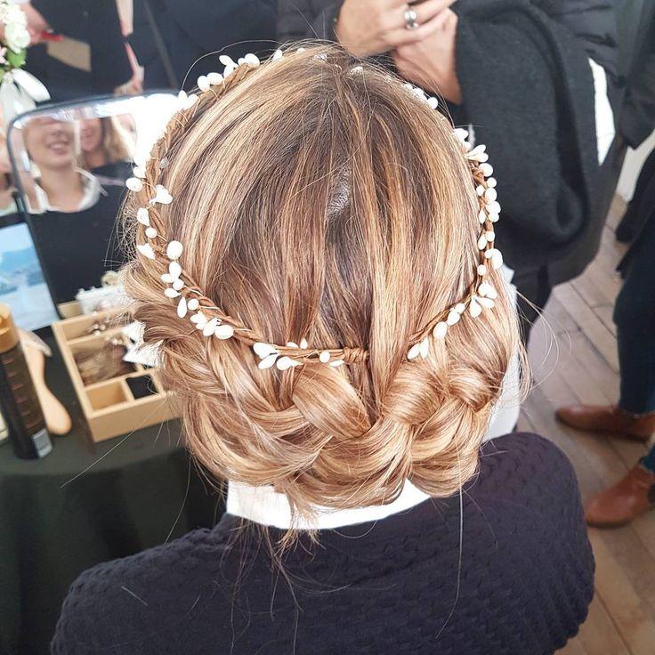1000 id es sur le th me coiffures demoiselles d 39 honneur sur pinterest cheveux attach s - Coiffure de demoiselle d honneur ...