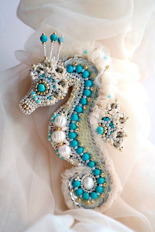 Brooch seahorse, bead embroidery, Agija Rezcova