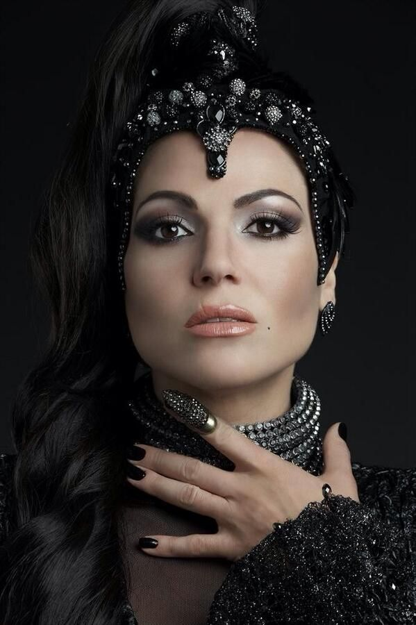 LOVE this makeup look!! (Actress Lana Parrilla - aka Regina the Evil Queen on ABC's Once Upon a Time)