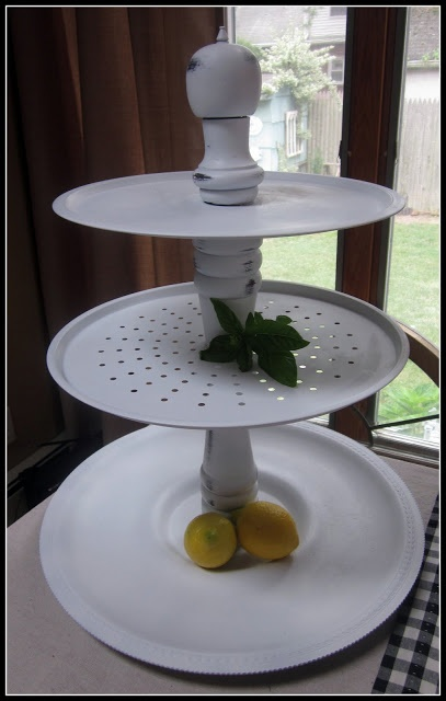 How to make a big cupcake tray from Homeroad, use bowls instead.