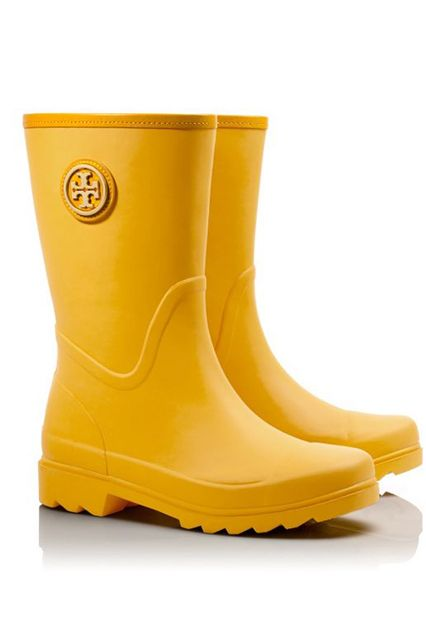 31 Stylish Rain Boots You'll Want To Wear Rain or Shine #refinery29  http://www.refinery29.com/fall-rainboots#slide9
