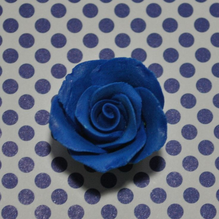 "1-1/8 "" Rose w/calyx - Petite - Royal Blue (64 per box) - Wholesale Sugar Flowers"