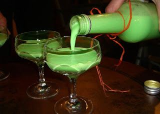 Halloween-Getränk: Phosphor-Likör