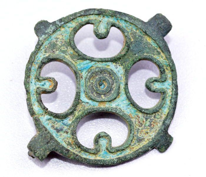 Late Roman / Early Saxon Open-Work enameled brooch with Cross Motif - 38 mm (diameter)