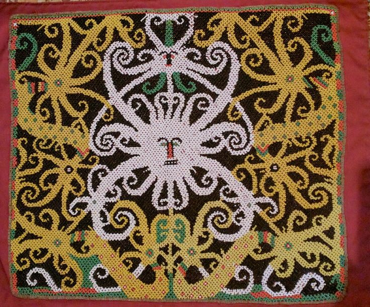 Beaded panel for Borneo baby carrier. #kalimantan #beads www.kulukgallery.com