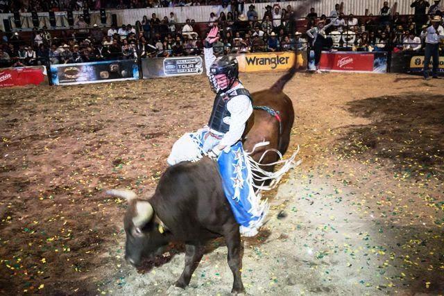 Cuernos Chuecos en la Feria de San Marcos 2014 ~ Ags Sports