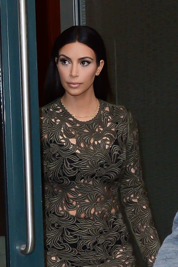 Instagram-Ready Finish   7 Things We Can All Learn From Kim Kardashian's Beauty   POPSUGAR Beauty