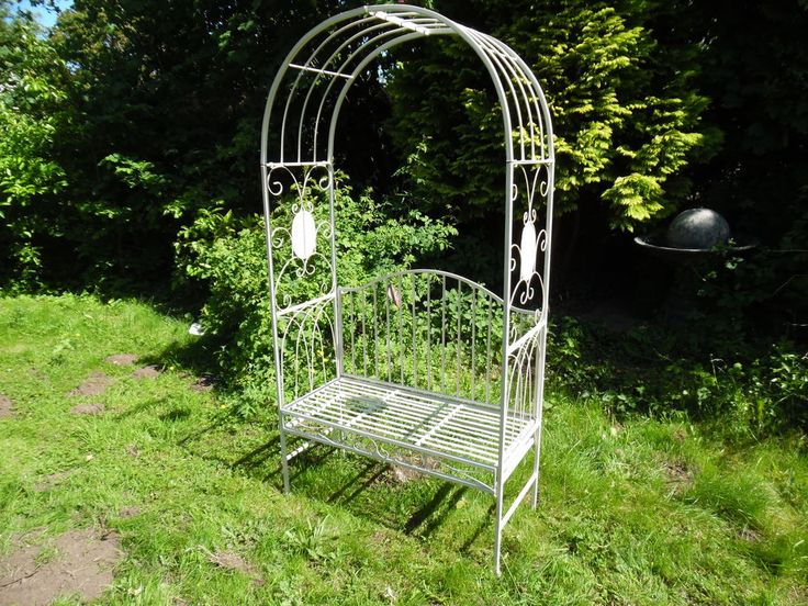delightful Shabby Chic Vintage Style cream Arch Wrought Iron Garden Bench Seat