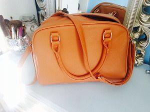 What's in my bag? My Everyday Essentials | daisykatedaily | Bloglovin'