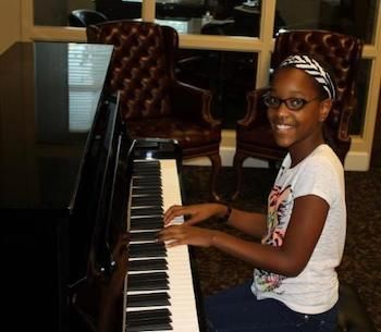 Owensboro Symphony Academy Receives Piano from Kentucky Colonels