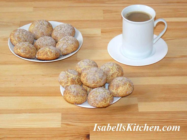 Semolina and cinnamon crinkle cookies