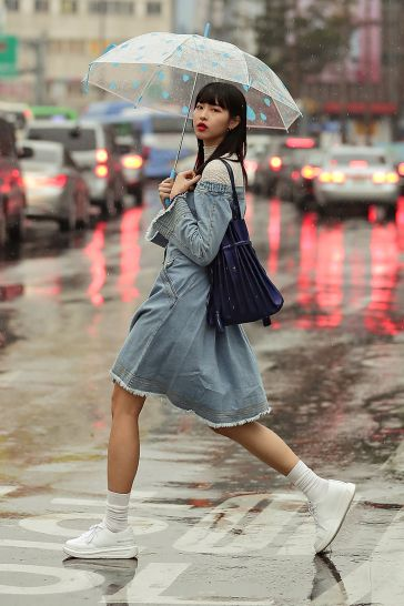 9346a1f43b SEOUL FASHION WEEK STREETWEAR 2019FW X JOSEPH&STACEY – écheveau Seoul  Fashion, Street Wear, Denim