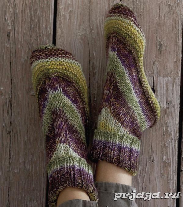 Простые носки спицами
