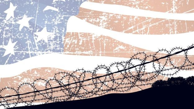 Cerco y bandera de EE.UU.