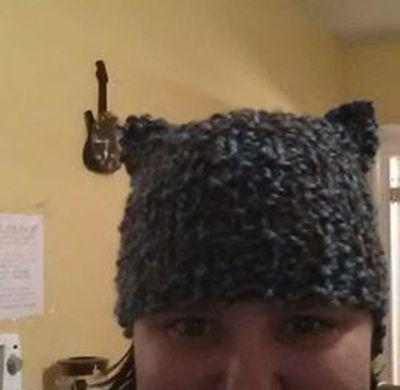 Gorro gatito tejido en telar por Sarijane