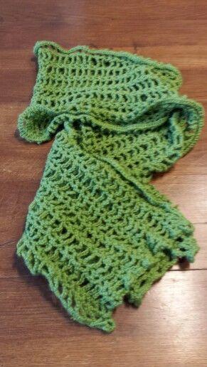 Sciarpa in lana verde; fai-da-te