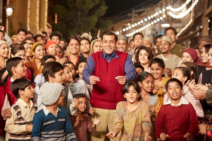 Here in this article, we are providing you the 13th Day Tubelight Collection, and 2nd Wednesday Box Office Collection. Reviews and Star Cast