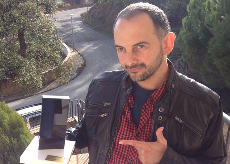 Félix J. Palma, Premio Ignotus 2015 por su novela 'El mapa del Caos' - http://www.todoereaders.com/felix-j-palma-premio-ignotus-2015-por-su-novela-el-mapa-del-caos.html