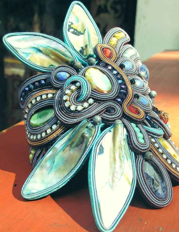 The bigger the better; Dori's oversized Mystique bracelet proudly flaunts its standout factor! #DoriCsengeri #oversized #statement #bracelet