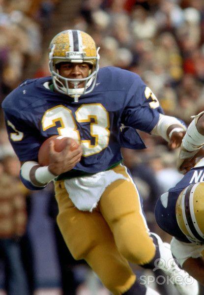Pittsburgh Panthers running back (33) Tony Dorsett during the 1976 season at Pitt Stadium.