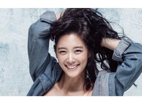 El medio Dispatch había revelado los mensajes de texto que se intercambiaron Clara y el CEO de Polaris Entertainment, Lee Jong Myung. En respuesta, los abogados de Clara contaron su versión de la h...