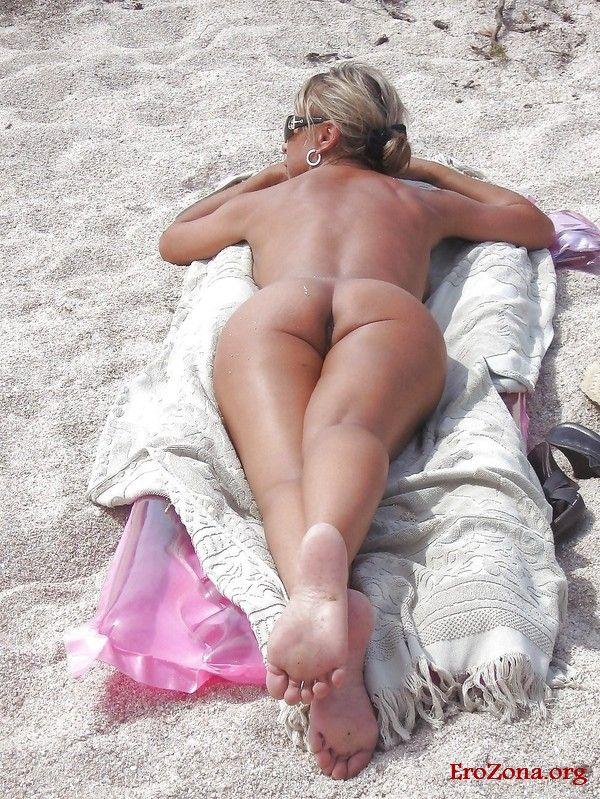Красивые девушки на пляжах