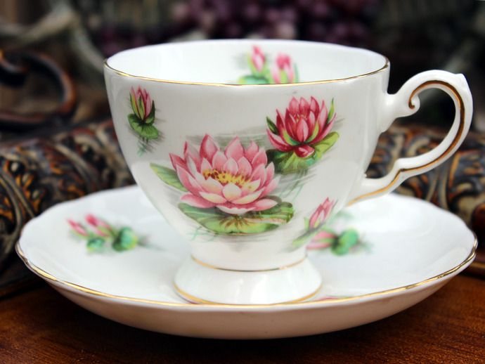 ahh...the beauty of the Water Lily #Tuscan #BoneChina #TeaCup&Saucer #TheVintageTeacup #VintageChina #Zibbet