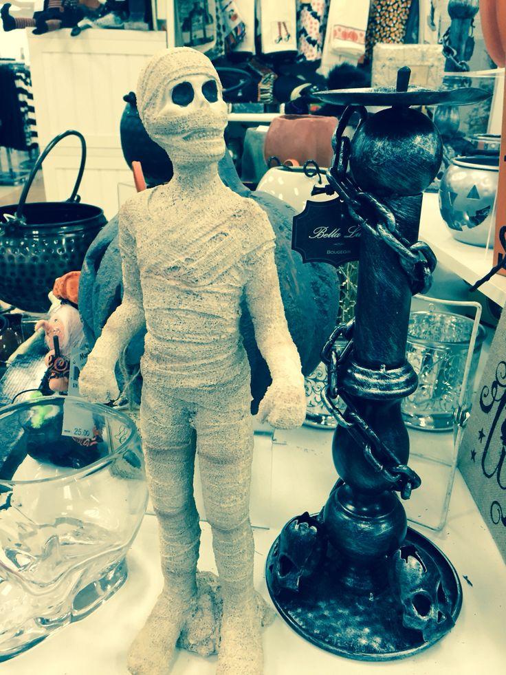 Mummy statue at TJ Maxx