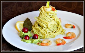 Sandra's Easy Cooking: Spaghetti in Avocado Sauce and Shrimps