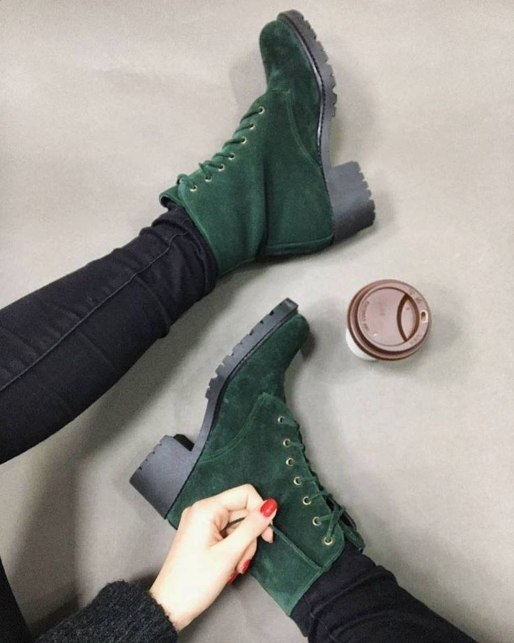 Essenza dark green lace boots
