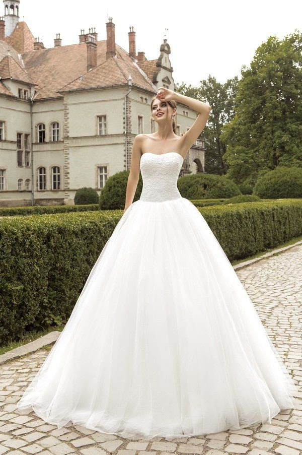 Wishesbridal Vintage Fluffy Strapless Tulle #BallGown #WeddingDress Ace0019