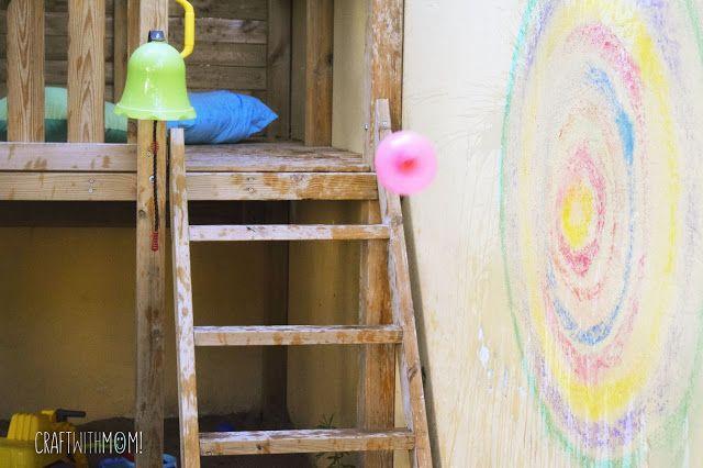 CraftWithMom: Πετυχαίνοντας το στόχο με νερόμπομπες! | Water balloon chalk…