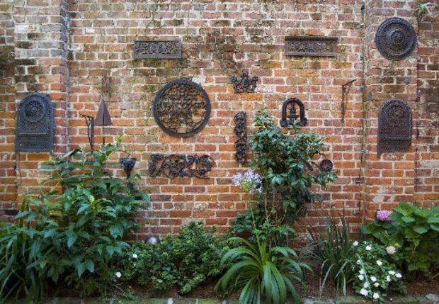 New Orleans Courtyard Gardens | Find a Job - New Orleans Find a Job - Baton Rouge Job Seeker Tools ...