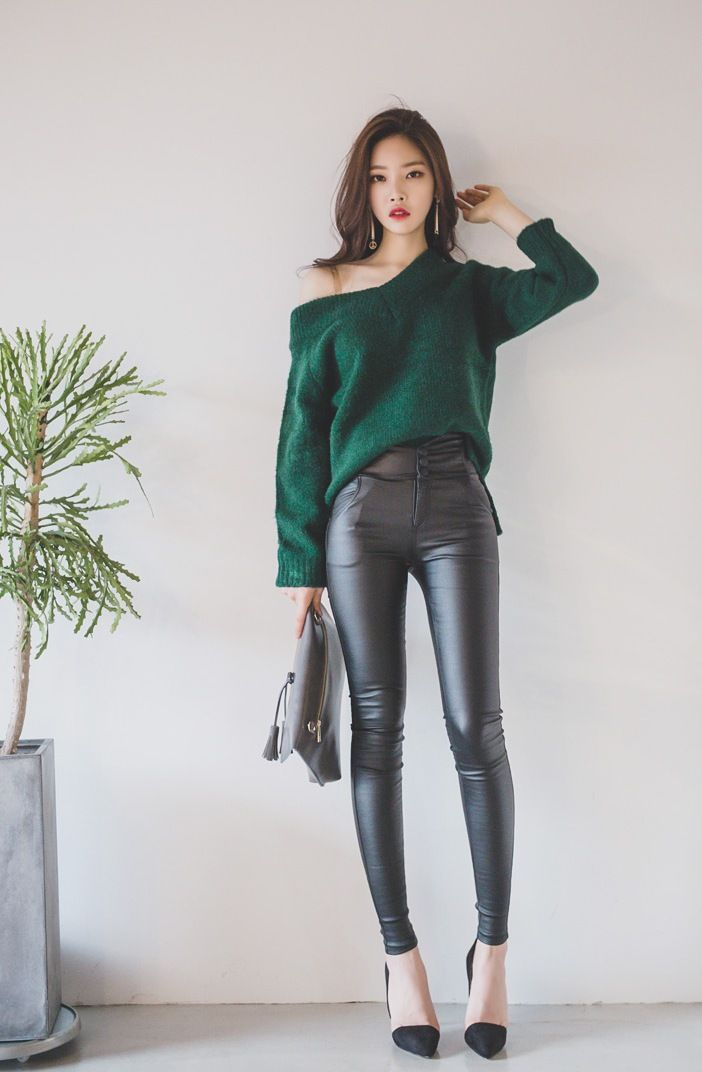 212 best Asian Wetlook Models images on Pinterest | Asian beauty Leather pants and Leather joggers