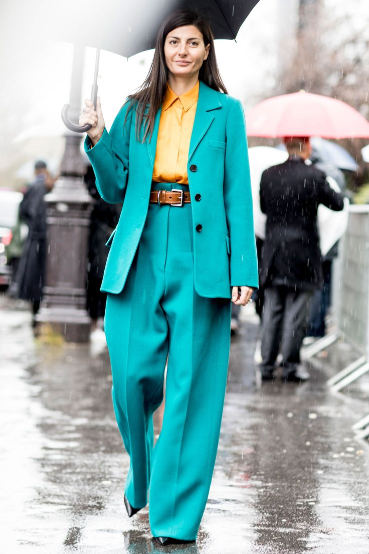 Paris Fashion Week Fall 2017 Street Style Day 7 - The Impression
