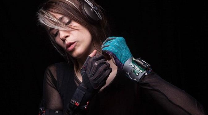 Mi.Mu Glove for Music sebenarnya sudah diciptakan oleh Imogen Heap sejak akhir 2012 lalu.
