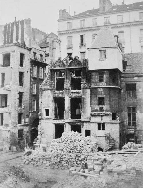 La démolition de l'hôtel de Jean Tison, en 1852, lors du percement de la rue Rivoli.