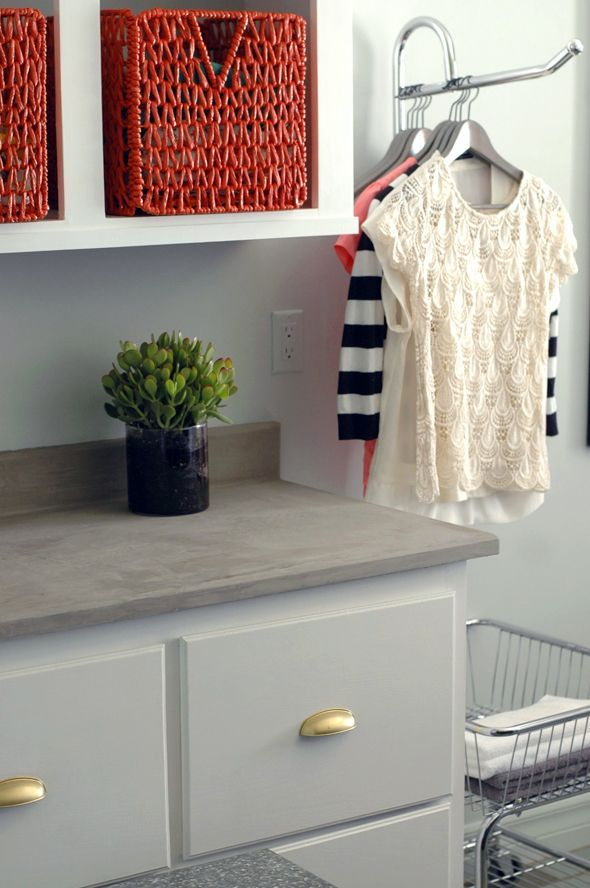 How to:  adding concrete overlay to existing formica or laminate counters.  Via Little Green Notebook
