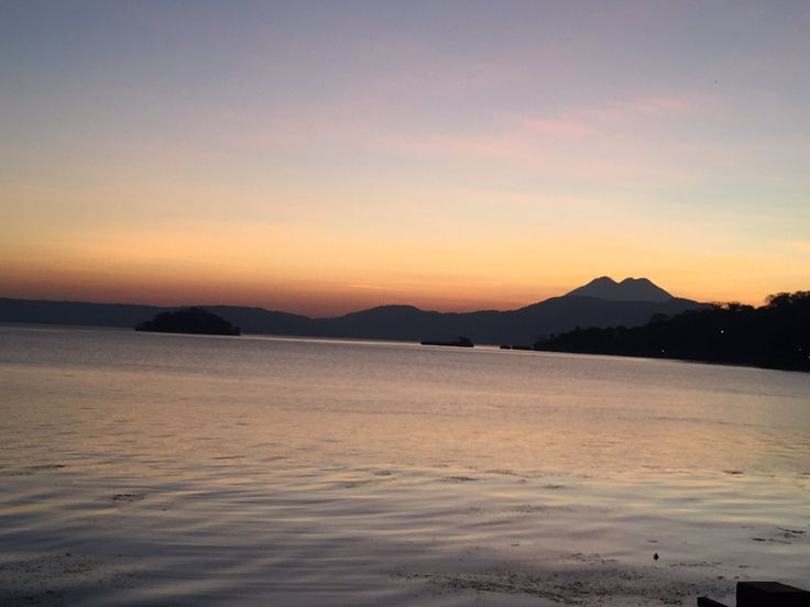 Un Buenos Dias desde el lago ilopango además el majestuoso chinchontepec esperando un nuevo amanecer ...?... A A